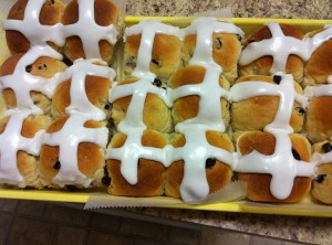 hot cross buns franks pastry